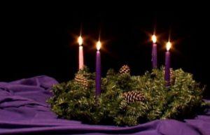 sumber gambar: http://ikatolik.com/ini-makna-lingkaran-dan-empat-lilin-adven/